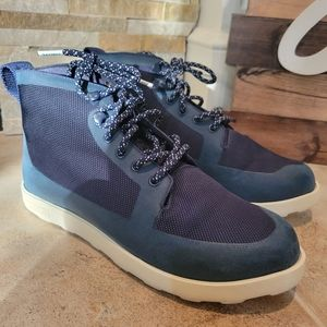 Native Women's Fitzroy Boots Blue Size 10. Good Co